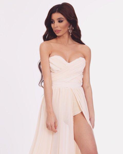 Мегз къса рокля с бюстие и цепка